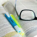 教科書にアンダーラインを引くと成績が伸びない?物語・流れで記憶する