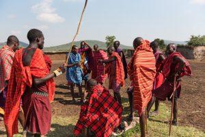 ケニア人 石を食べる
