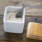 加湿器に塩を入れる行為の意味とは?故障する場合と必須機種の違い