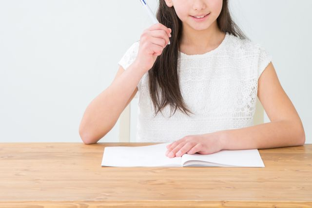 勉強するなら机と椅子がベスト